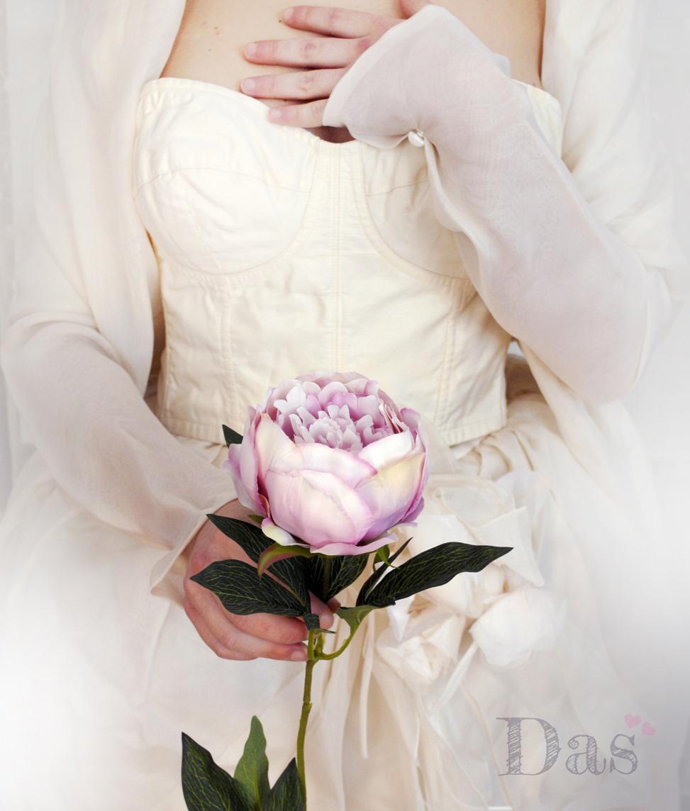 Bouquet Sposa Con Un Solo Fiore.Il Bouquet Da Sposa Formato Da Un Solo Grande Fiore