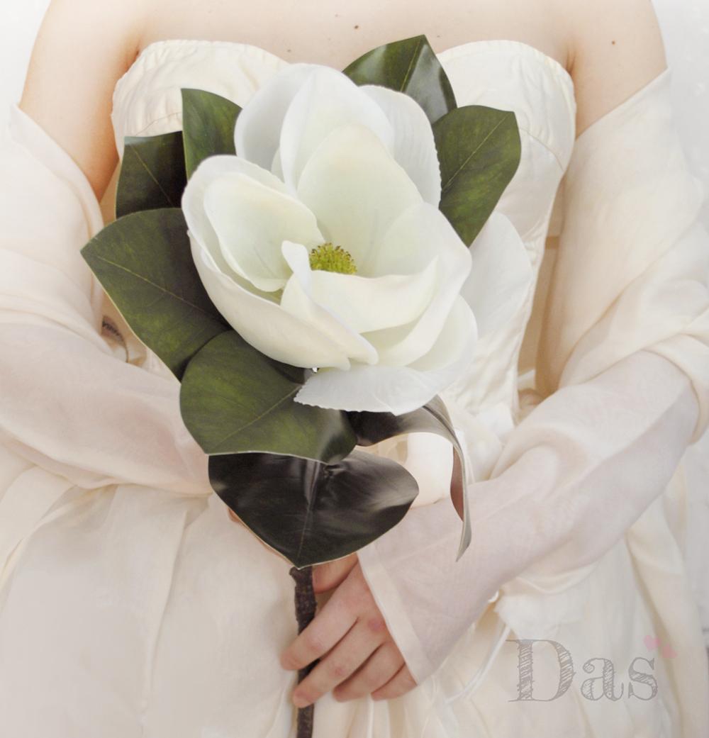 Il bouquet da sposa formato da un solo grande fiore ddbec08d793