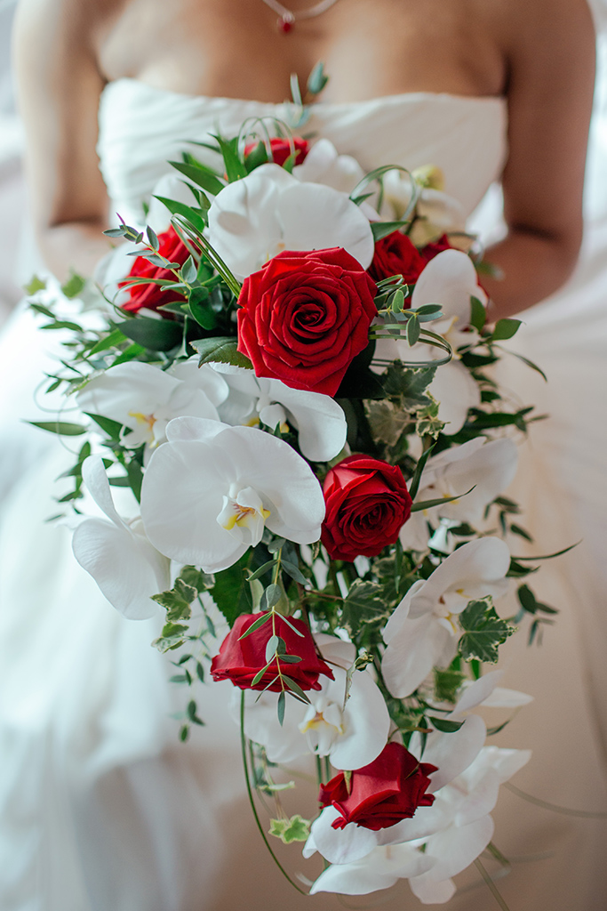 Bouquet Sposa Con Rose Rosse.Bouquet Da Sposa A Cascata Un Protagonista Importante