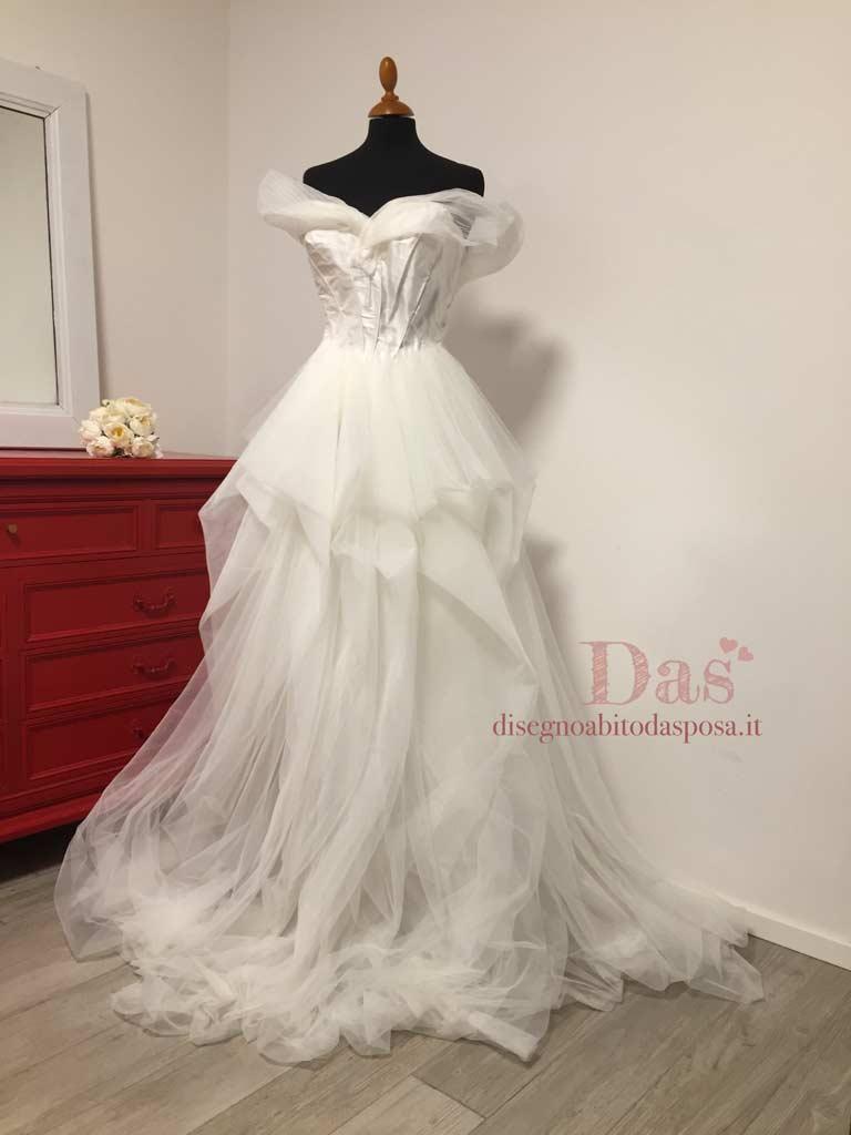 Realizzazione su manichino dell'abito da sposa Clara